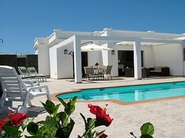 Affordable luxury villa based in Costa Papagayo, Playa Blanca, Lanzarote.  2 bedrooms, private heated swiming pool and within walking distance of resort centre and beach.