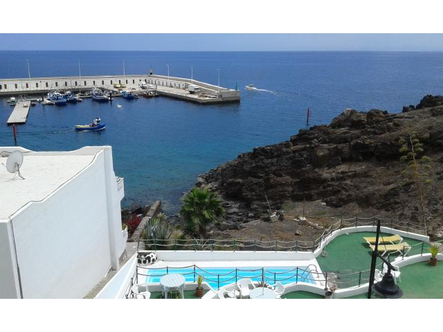 1 bedroom apartment in old town with beautiful views of the harbour