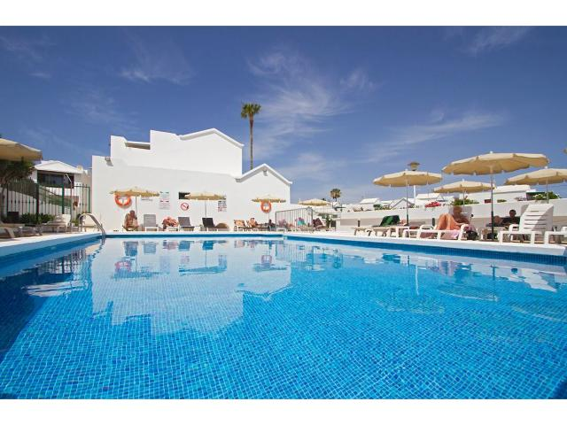 A high quality resort in a quiet residencial area but only 5 minute walk from the sea front road