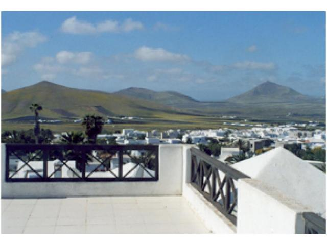 Modern and Spacious detached 3 bedroom Villa sleeping up to 6 people in spacious grounds, private pool - Nazaret Lanzarote