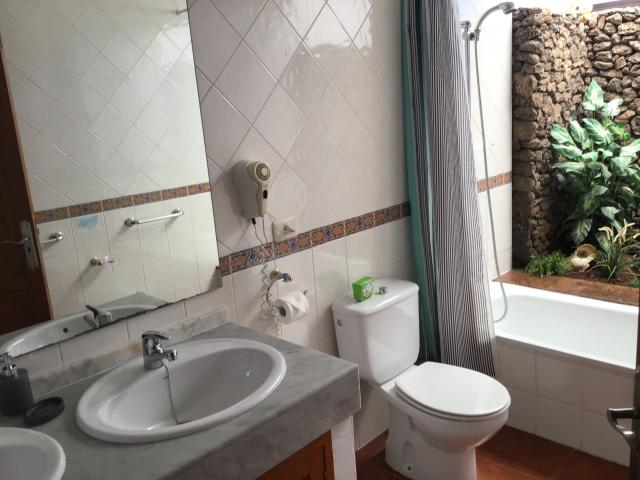 Villa Ani Lee Upstairs En-Suite - Villa Ani Lee, Tias, Lanzarote