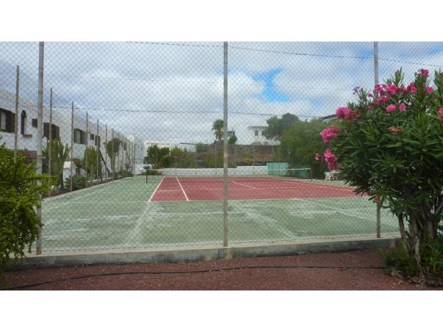 Private tennis court - Lovely Seaview Apartment , Puerto del Carmen, Lanzarote