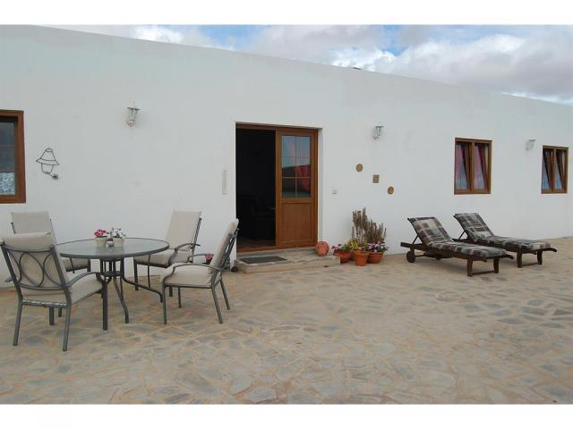 Luxury 2 bedroom Villa in Nazaret Village with Jacuzzi sleeping up to 4 people