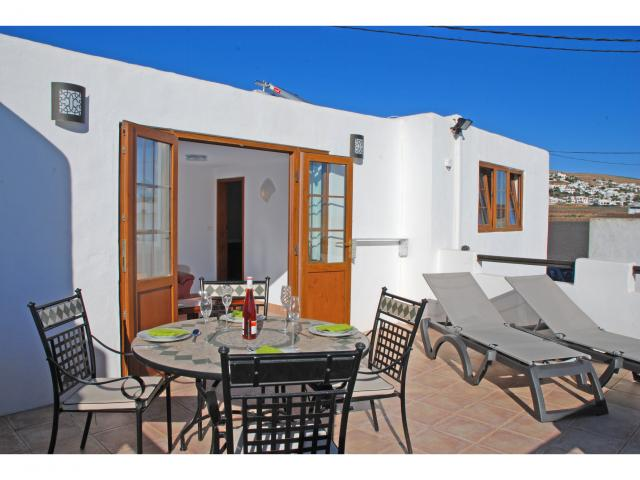 Rural Spacious 1 Bedroom Villa - fast, free wifi!