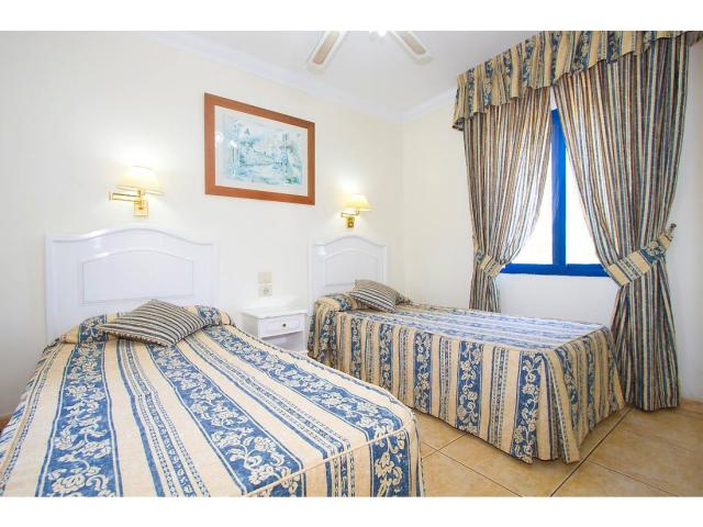 Each bedroom have twin beds - 1 Bed - Diamond Club Calypso, Puerto del Carmen, Lanzarote