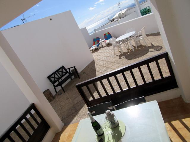 2 bedroomed apartment at the harbour side of Puerto del Carmen Old Town, extensive sun terraces with sea views to Fuerteventura, free wifi
