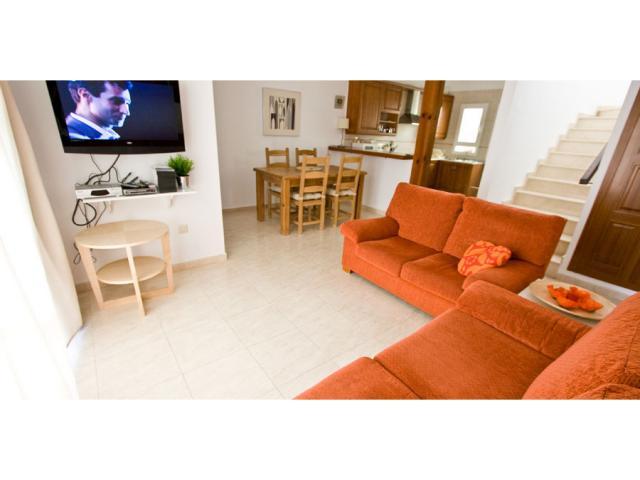 "Lounge with 32\"" flat screen tv - Villa Clara, Costa Teguise, Lanzarote"
