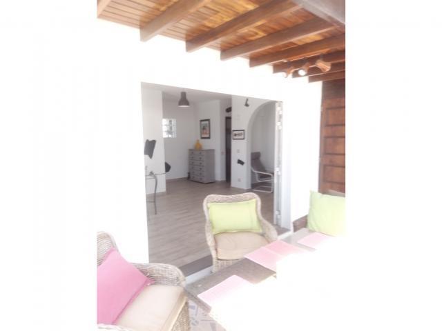 Looking in (pic 2) - Casa Perro, Matagorda, Lanzarote