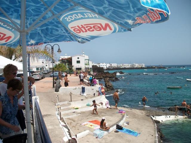 Bar Piscina by the natural sea pool - 2 bed, sea view apartment, Punta Mujeres, Lanzarote