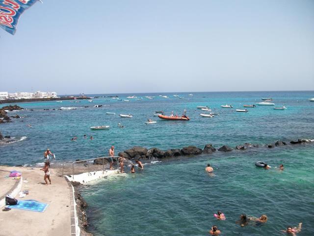 Natural sea swimming pool - 2 bed, sea view apartment, Punta Mujeres, Lanzarote