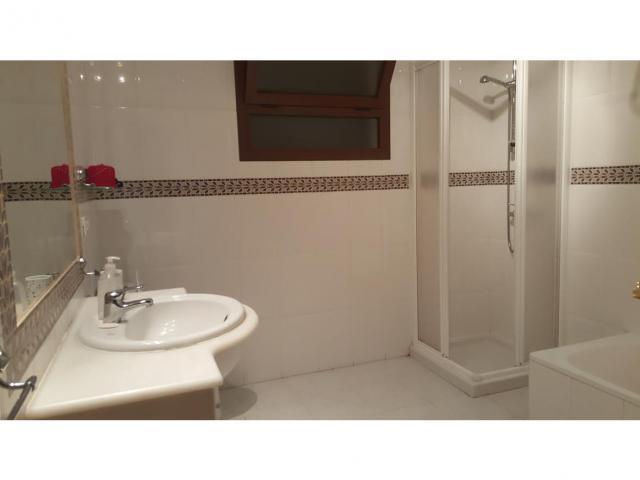 En-suite bathroom - 3 bedroom villa apartment, Punta Mujeres, Lanzarote