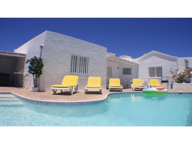 3 bed private villa + heated pool in Los Mojones