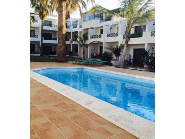 Pool area - Apartment L16, Puerto del Carmen, Lanzarote
