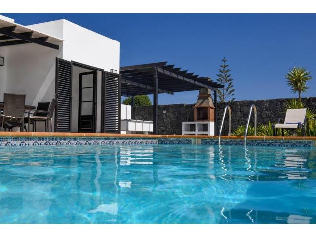 Luxury holiday villa rental