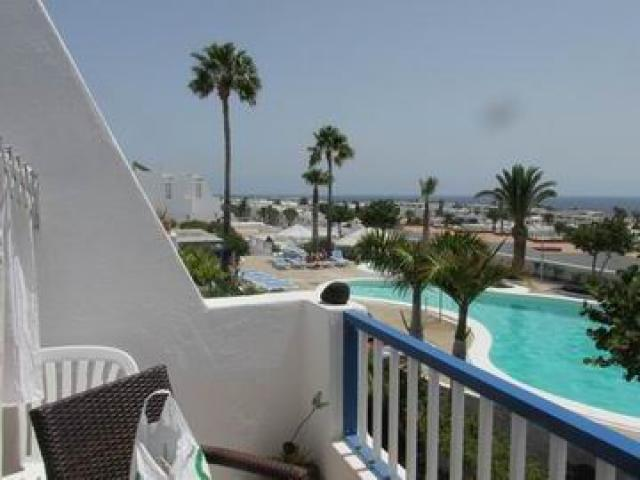 1 bedroom apartments in complex with pool close to the casino in Puerto del Carmen