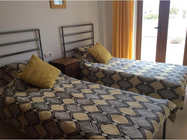 Ground floor bedroom  - Calle Burgao, Puerto del Carmen, Lanzarote