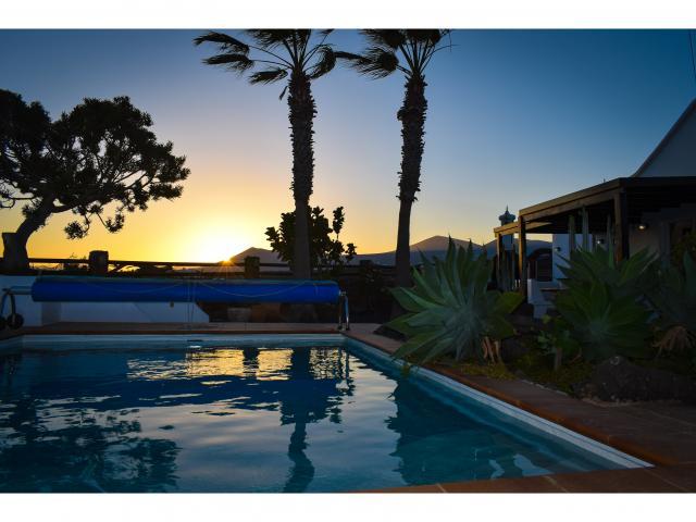 Villa Kura at Sunset - Villa Kura, Puerto del Carmen, Lanzarote
